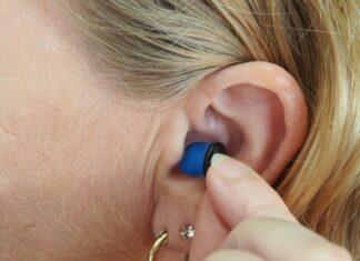 szum w uszach - objawy